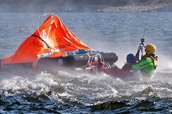 LIFERAFT REFRESHER TRANING